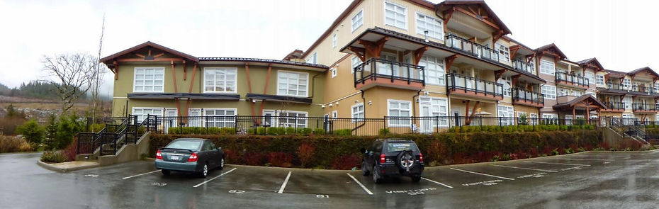 Pressure washing of strata townhouse complex in Squamish, BC