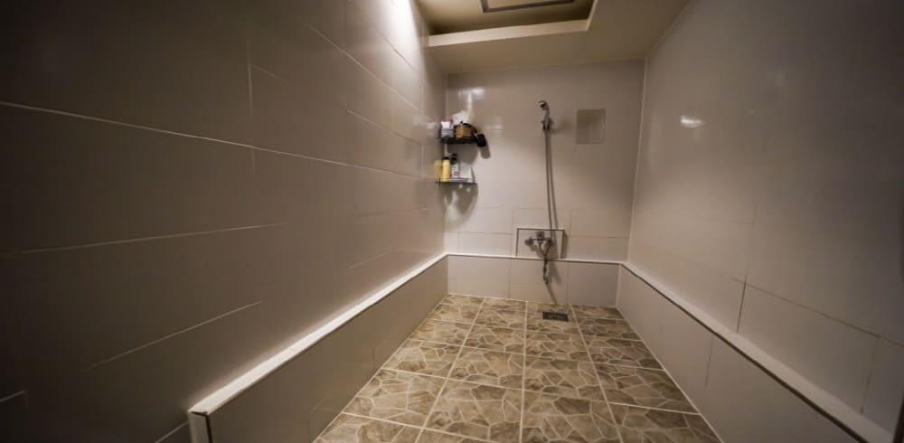 청주 마사지 구인구직 샤워실