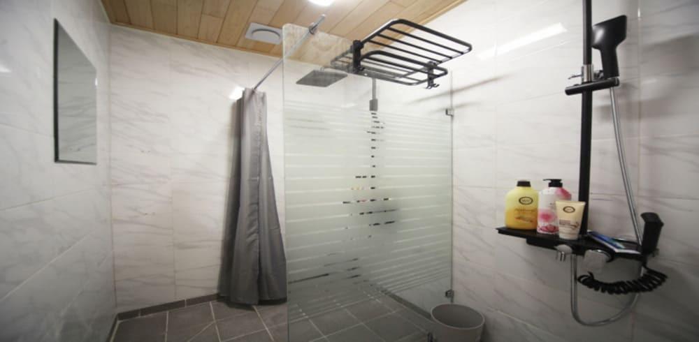 병점동 마사지 구인구직 샤워실
