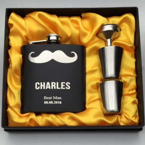 Whiskeyfles set moustache