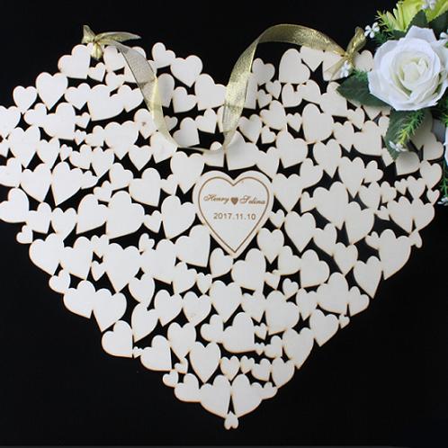 Hartvormige gastenboek gevormd door kleinere hartjes