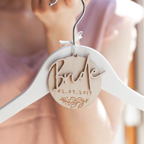 Trouwjurk hanger bride