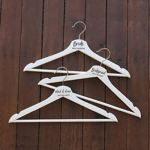 Gepersonaliseerde kledinghangers als cadeau
