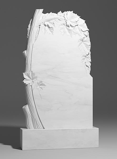 Памятник из белого мрамора с клёном