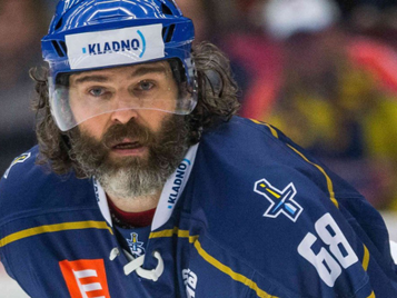 Hockey Legend Jágr is 50 and doesn't plan to stop playing