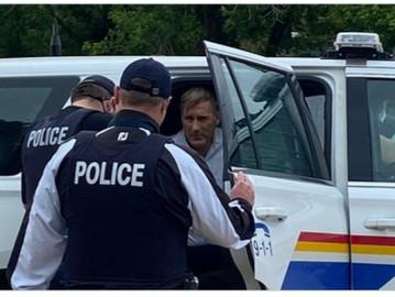 BREAKING: Maxime Bernier arrested in Winnipeg