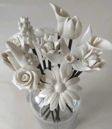 Black Reed - Porcelain Flowers