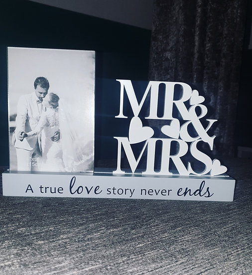 Mr and Mrs True Love Frame
