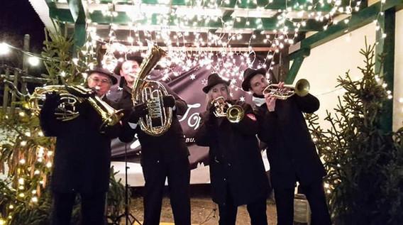 quartett am weihnachtsmarkt.jpg