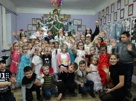 Для учащихся объединений Учреждения прошли новогодние театрализованные представления