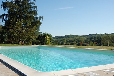 B&B in Italy with swimmin pool. Possibility of midnight swims