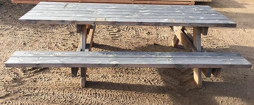 Scierie Brizard - table d'extérieur