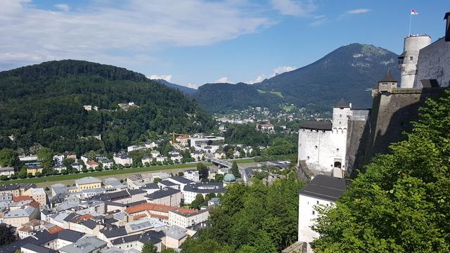 Kilátás a Salzburgi várból