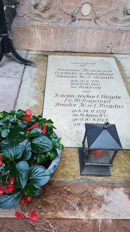 Síremlék, Mozart húga, Haydn öccse