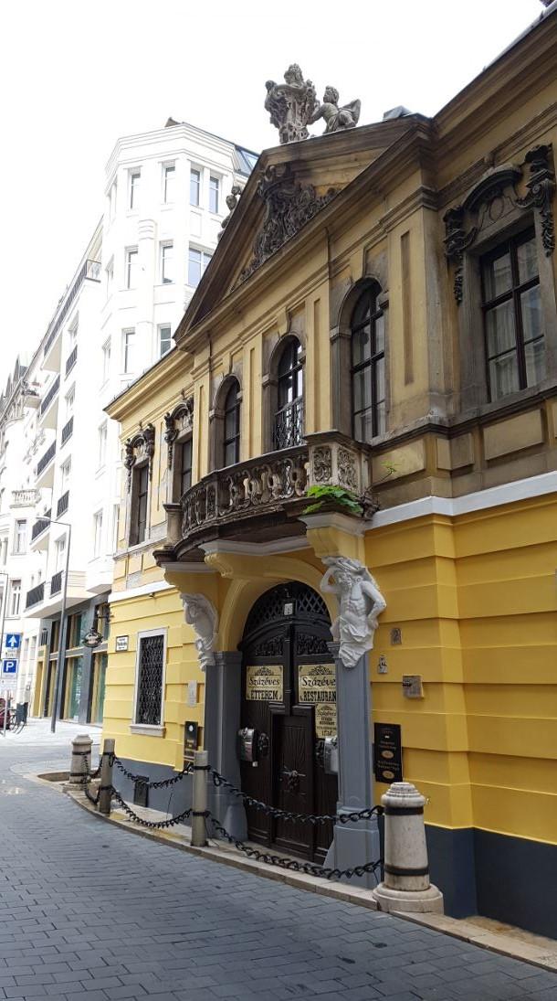 A Százéves étterem, Budapest