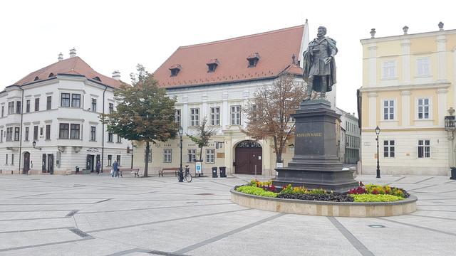 Altabak-ház, Győr, Bécsi kapu tér