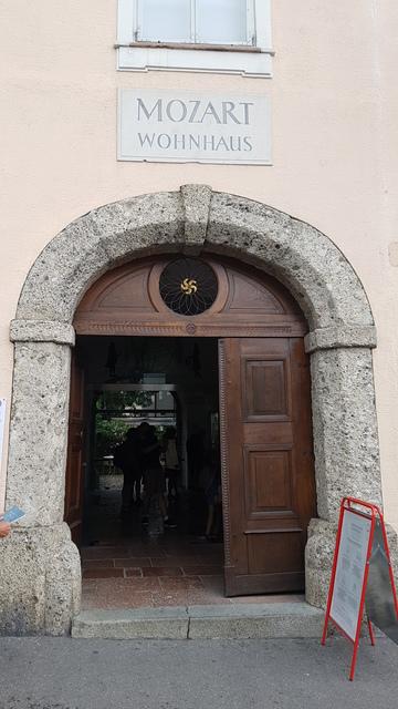 Mozart lakóháza, Mozart Wohnhause