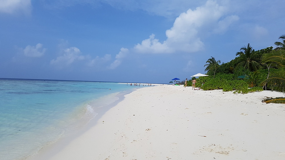 Maldív-szigetek, fehérhomokos tengerpart