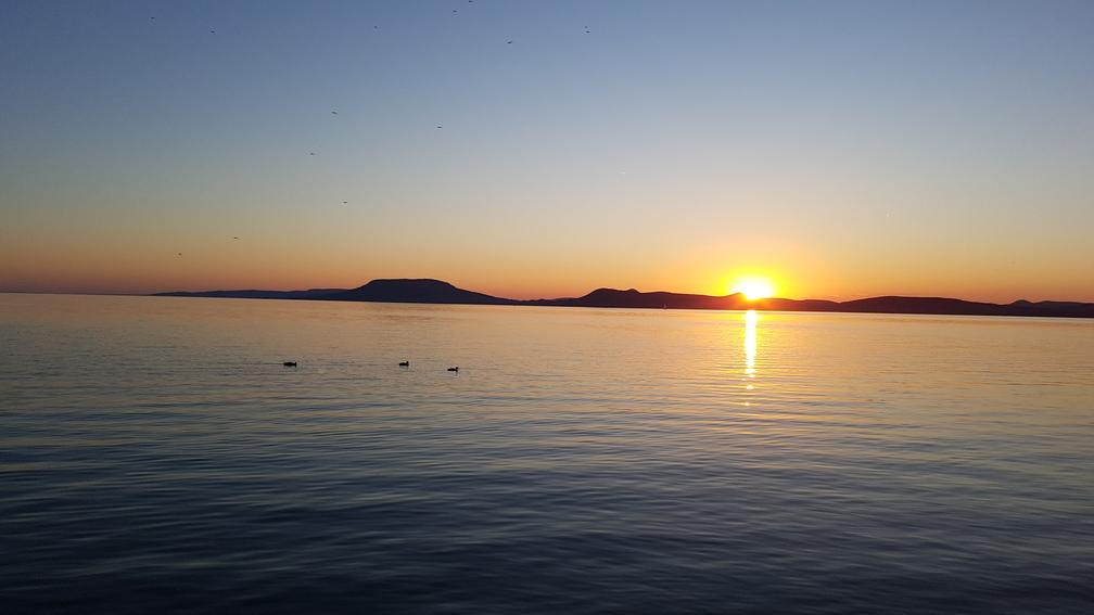 Balatoni naplementék