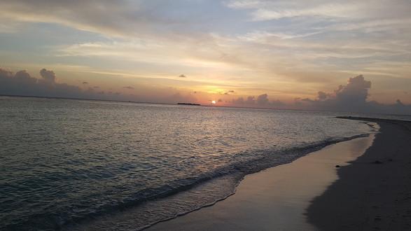 Naplemente a Maldív-szigeteken