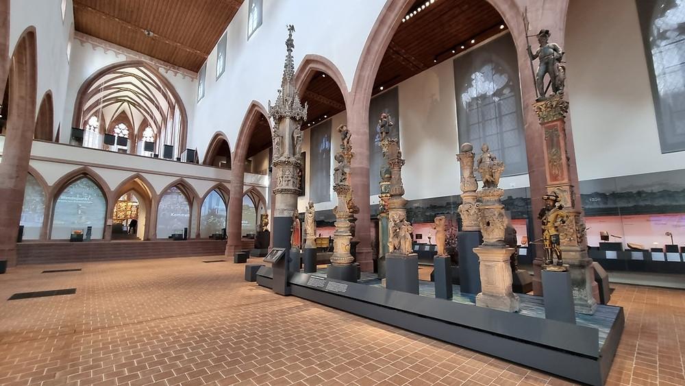 Historisches Museum belső tere