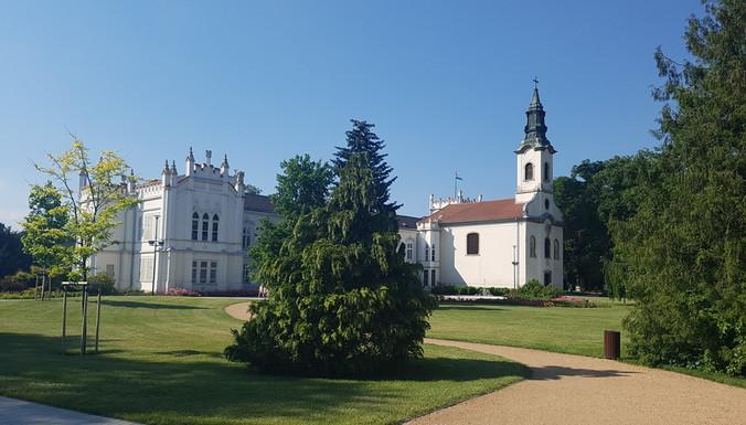 Szent Anna plébánia templom