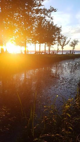 Fény&víz játéka naplementekor