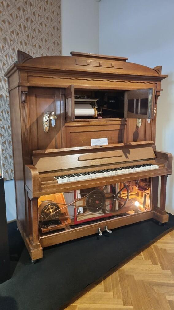 Önmagától zenélő zongora