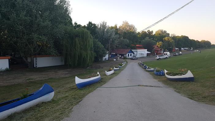 Sarudi strand bejárat, Tisza-tó