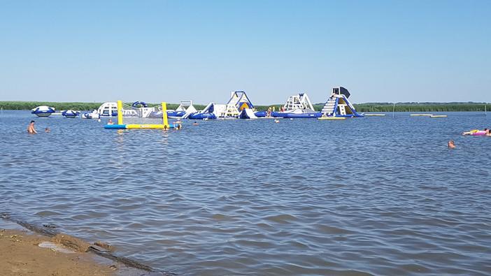 Aquaglide vízipark, Sarud, Tisza-tó