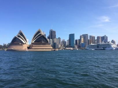 Sydney Operaház hajóról nézve