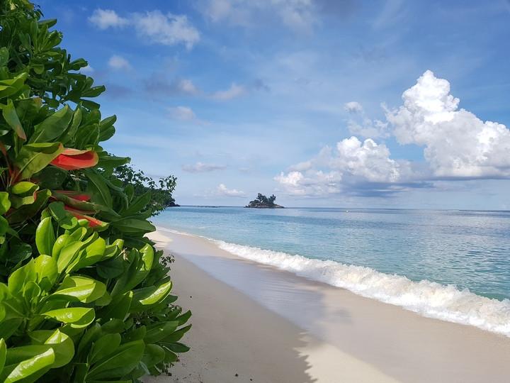 Anse Royal csodálatos tengerpartja