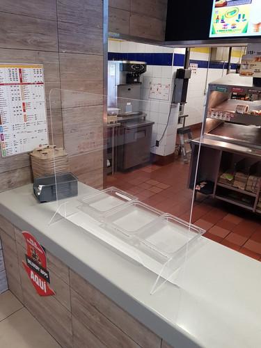 mampara de acrilico para escritorio 3.jp