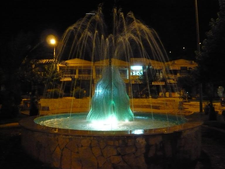 Unity Fountain at night