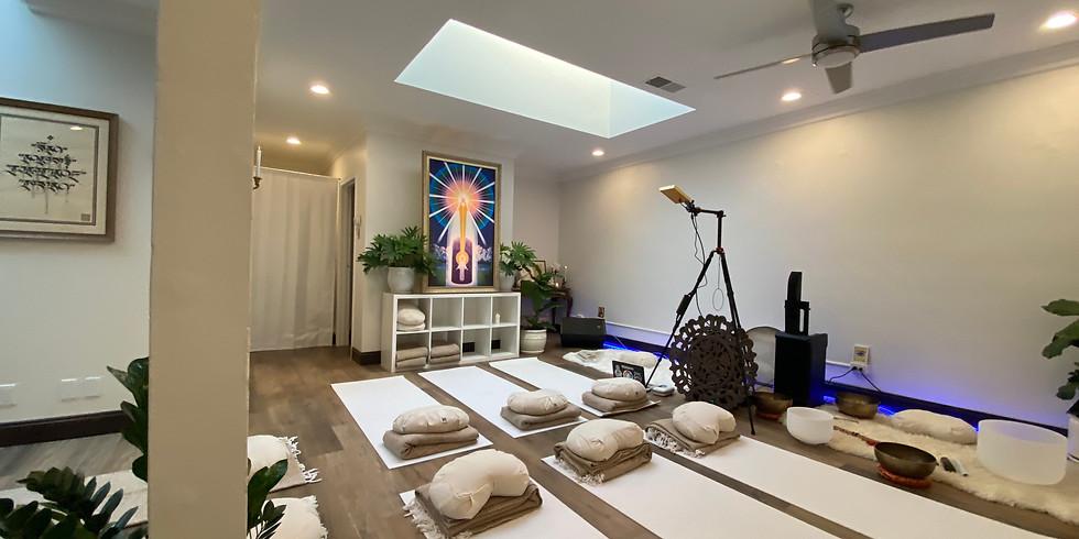 """Sound Bath w/Ajna Light + Holy Fire® Reiki """"Sacred Liiight Experience"""""""