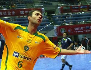 Pixote defendendo a Seleção Brasileira de Futsal