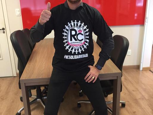 """Transportadora Plimor """"veste"""" a camiseta solidária do RC Livramento"""
