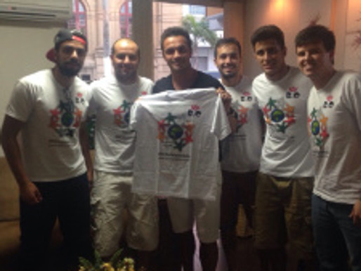 Integrantes do RC encontram Falcão e craque demonstra toda sua admiração pelo Projeto