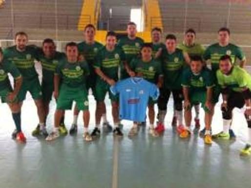 Equipe da Série Ouro do Futsal Gaúcho demonstra apoio ao RC Livramento