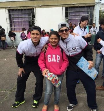 Campanha de Brinquedos 2015 do RC Livramento leva presentes e alegria para centenas de crianças da c