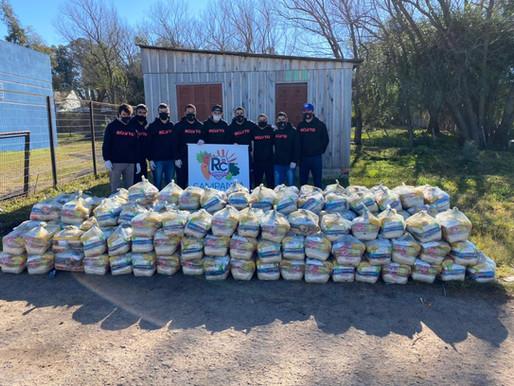 RC Livramento entrega 3 toneladas de alimentos a famílias carentes