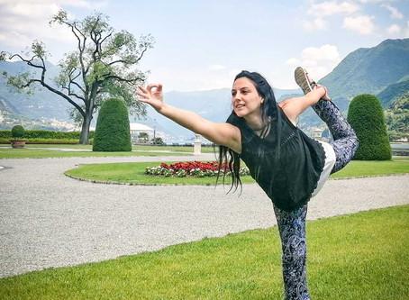 Yoga all'aperto a Como, villa Olmo