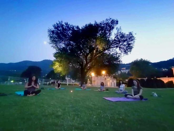 Pratica Yoga di luna piena