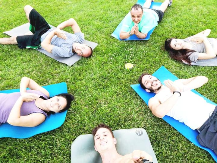 yoga-di-gruppo_yogatransfert_edited.jpg