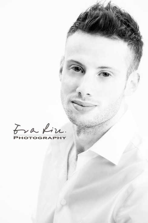 British singer's profile photo