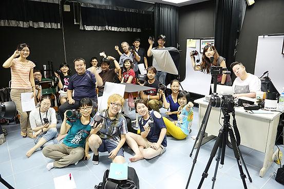 Eva Liu teaching a photograhy course
