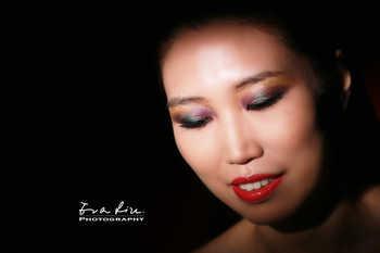 colorful eye makeup for photoshoot