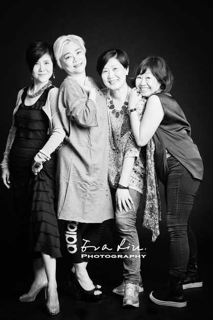 loving lady friends group photo