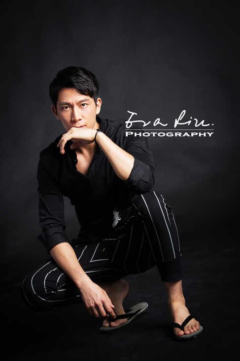 model posing in all black