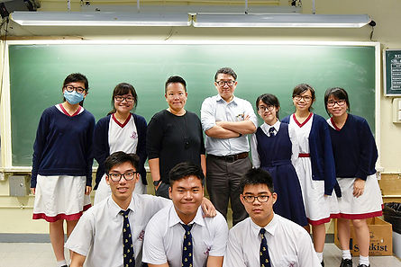 Photo with a group of high school students
